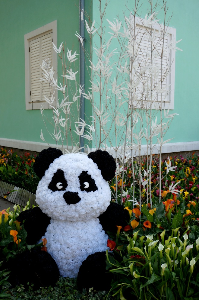 Pandas are popular in Macau too!